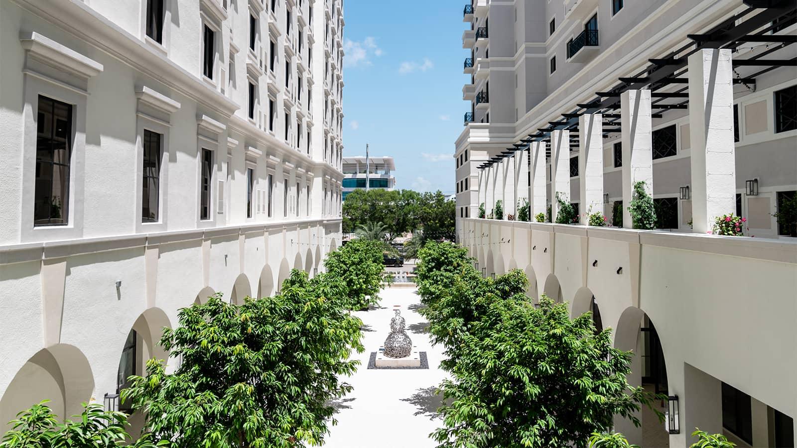 THesis Miami Exterior